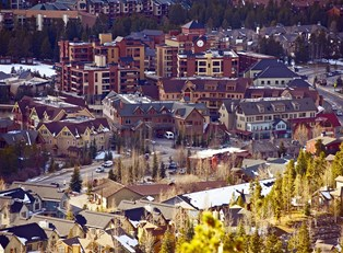codos and resorts cluster the breckenridge, colorado cityscape
