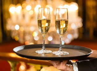 champagne drinks are served at one of branson missouri dinner shows